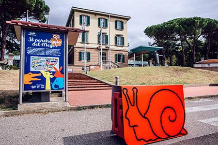 A Firenze il parcheggio dell'ospedale pediatrico si trasforma in uno zoo colorato